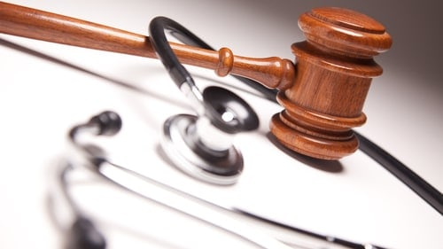 How Does The Court Decide If A Health Care Worker Was Negligent Under Illinois Law?