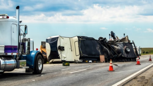 wide-turn-truck-accident-injury-lawsuit